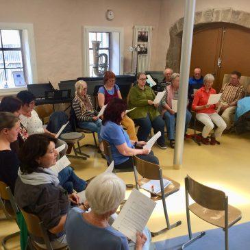 Sängerinnen und Sänger trafen sich in der Lauterbacher Musikschule